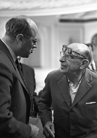 RIAN_archive_597702_Composer_Igor_Stravinsky_and_cellist_Mstislav_Rostropovich
