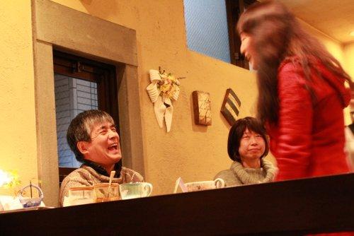さがさんのエネルギーあふれる指導により、参加者のみなさんからも自然と笑いが起こります。